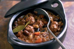 gino-de-acampo-sausage-and-beans-casserole-534x356